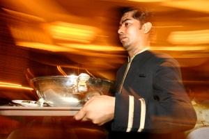 zooming waiter