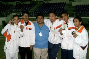 the champs with their manager :D
